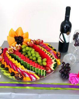 מגש פירות+ יין+ 2 גביעים בעיצוב מרהיב